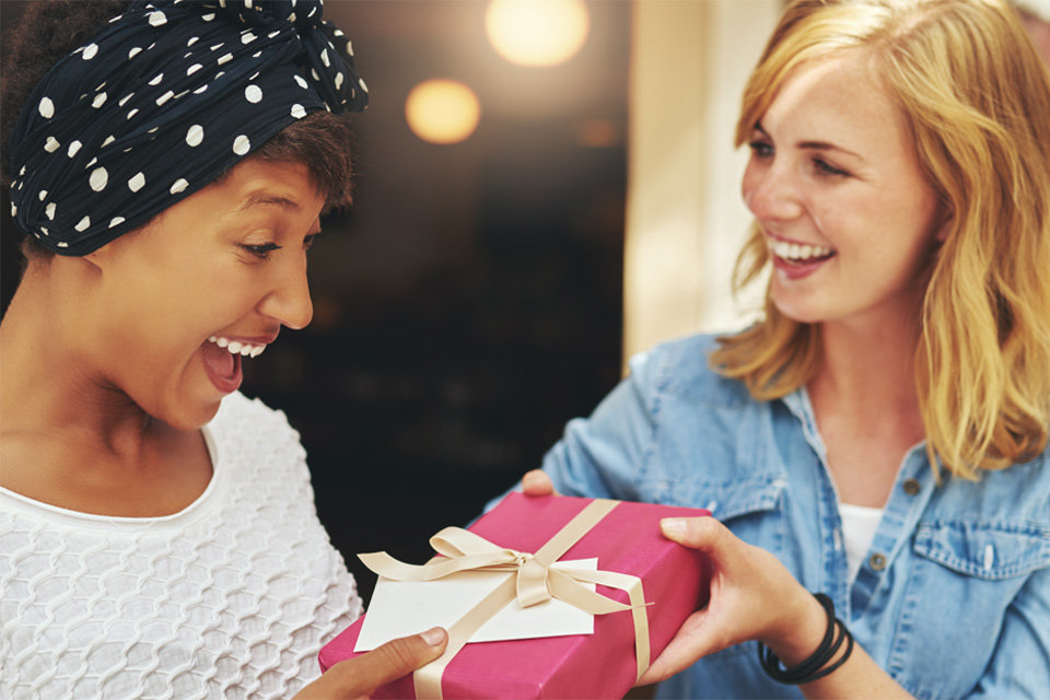 10 WAYS WOMEN UPLIFT AND EMPOWER EACH OTHER
