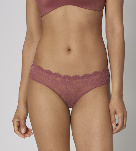 Tempting Lace Hipster